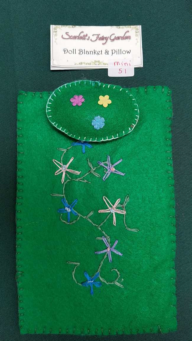 Miniature Doll Blanket & Pillow - Kelly Green Felt - Fairy - Pretty Embroidery - Fits 6